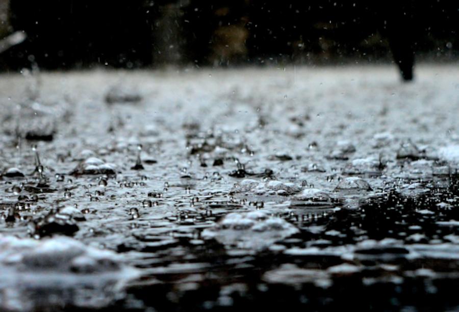 Wasser auf Straße
